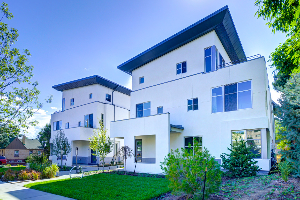 The Townhouses at Cherry Creek North
