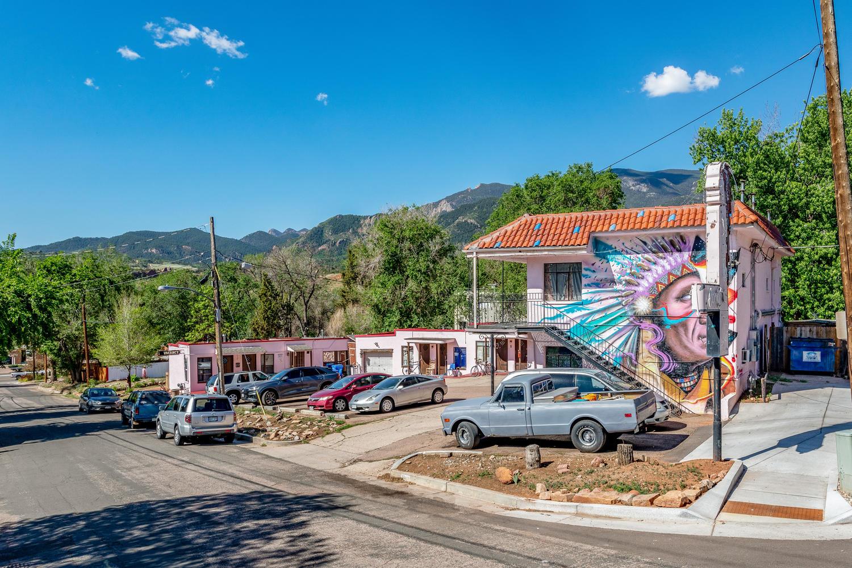 Apache Court Motel & Apartments